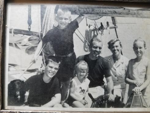FamilyCharleston1961.jpg
